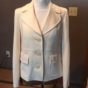 Absolutely beautiful cream colored blazer